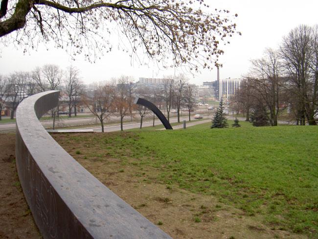 Tallinn: памятник парому Estonia